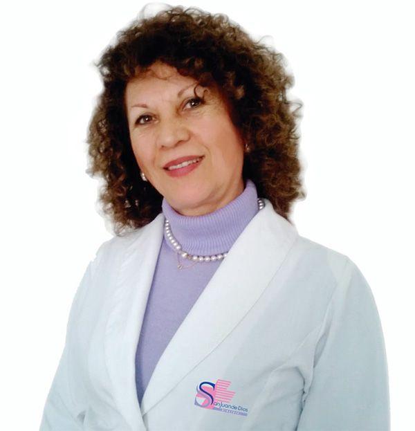 Adela Dastres G.